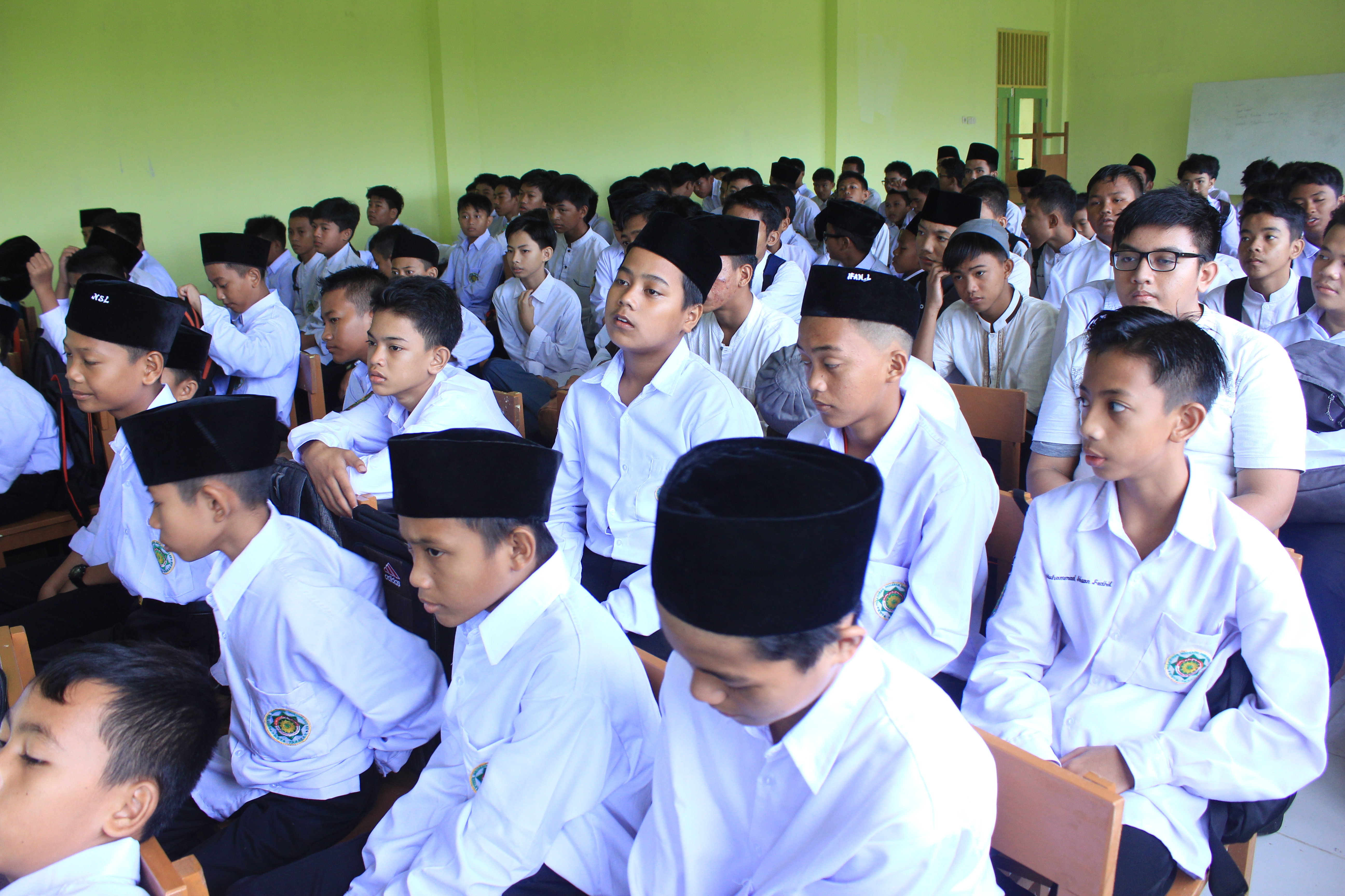 Pembagian Raport Online SMP MBS Tarakan Semester Genap Tahun Ajaran 2019/2020